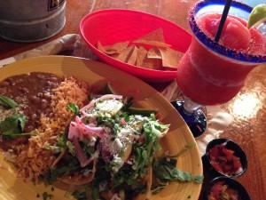 タコスとマルゲリータ(メキシコ料理)