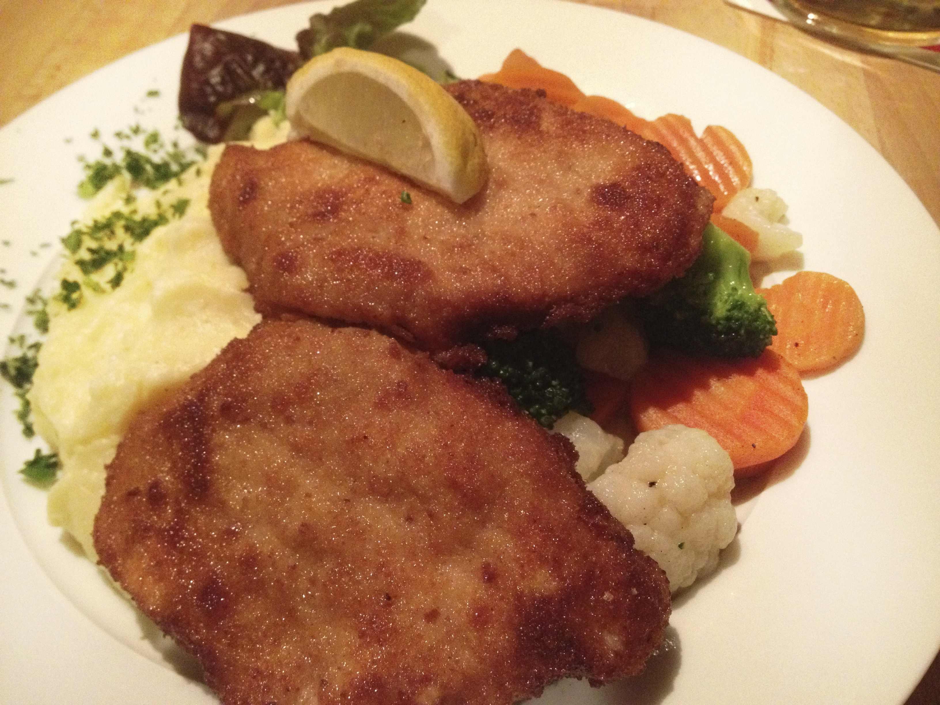 ヴィーナー•シュニッツェル~仔牛肉のカツレツ~(ドイツ料理)
