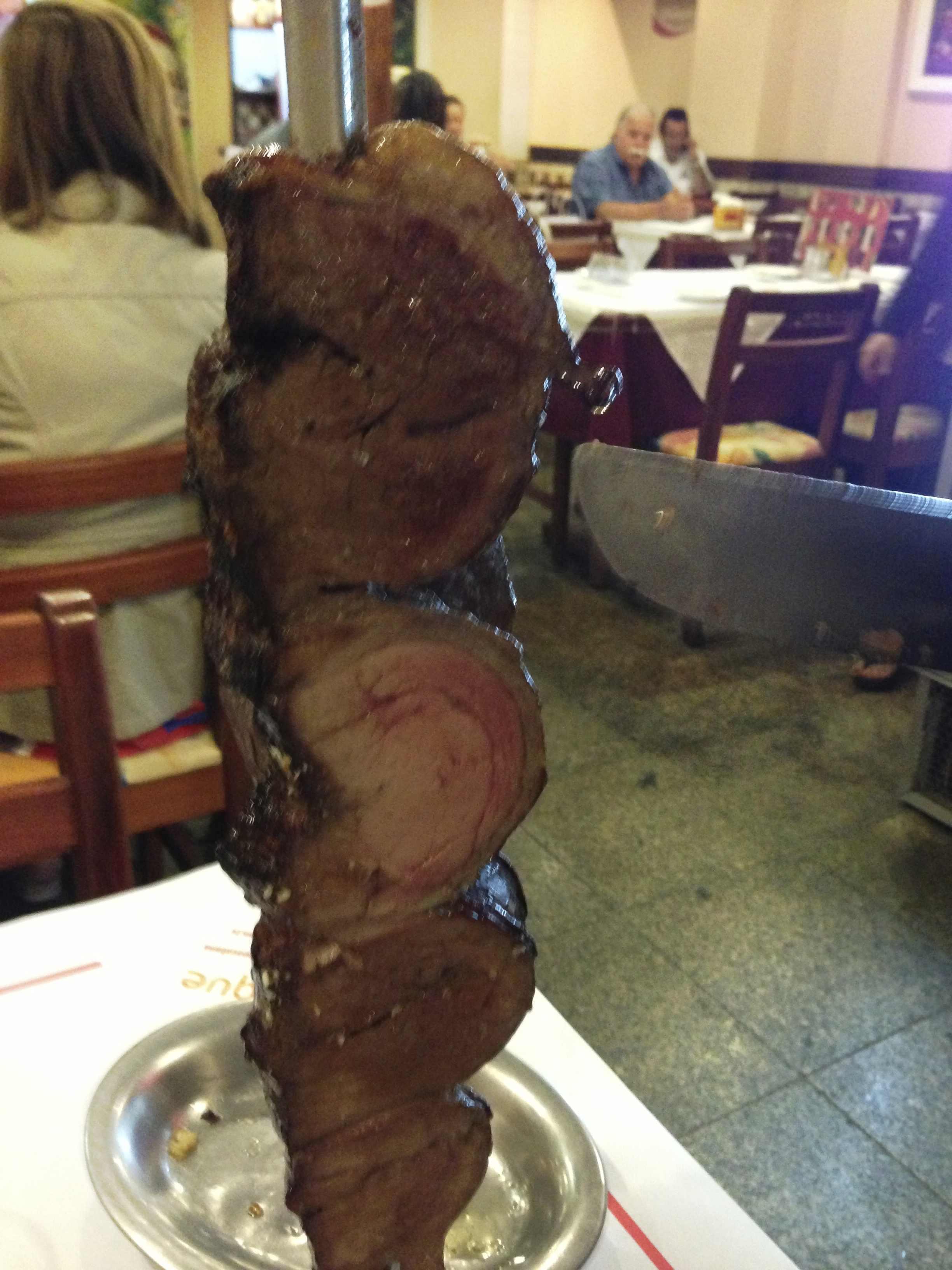 シュラスコ~岩塩をしオーブンで焼いたお肉をテーブルサービスしてくれます~(ブラジル料理)
