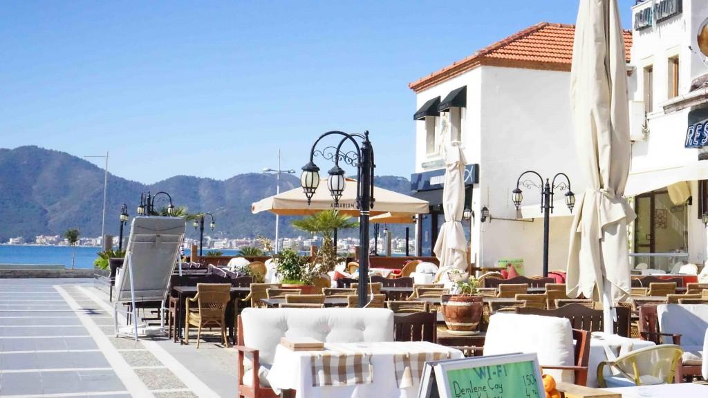 海沿いレストラン(マルマリス)