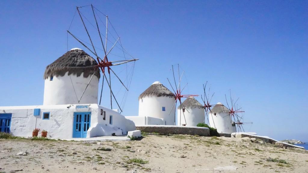 ミコノス島の風車(ギリシャ)