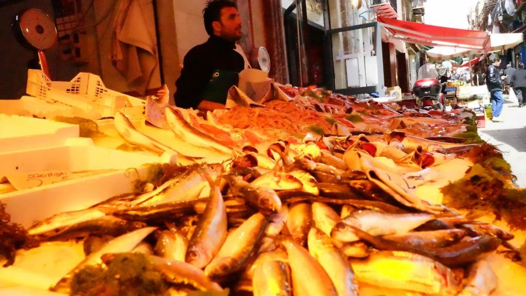 パレルモの魚市場(シチリア)
