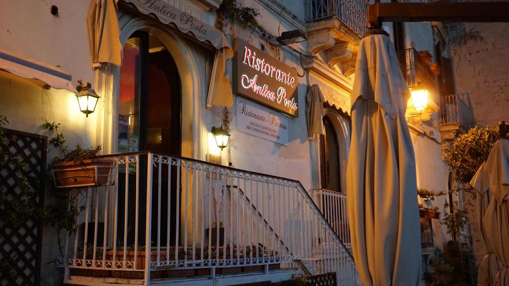 シラクーサのレストランテ(シチリア)