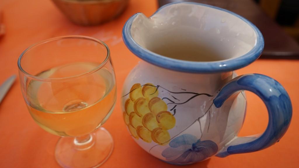 白のグラスワイン・ピッコロサイズ(イタリア)