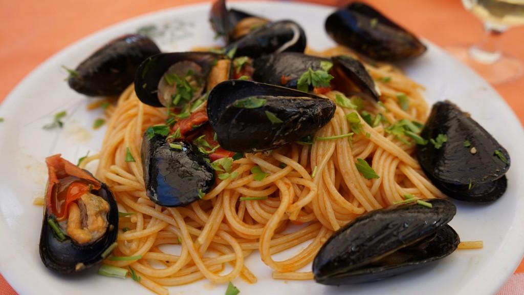 ムール貝のトマトパスタ(ナポリ)