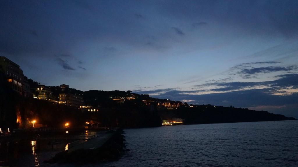 ソレントの夜景(イタリア)