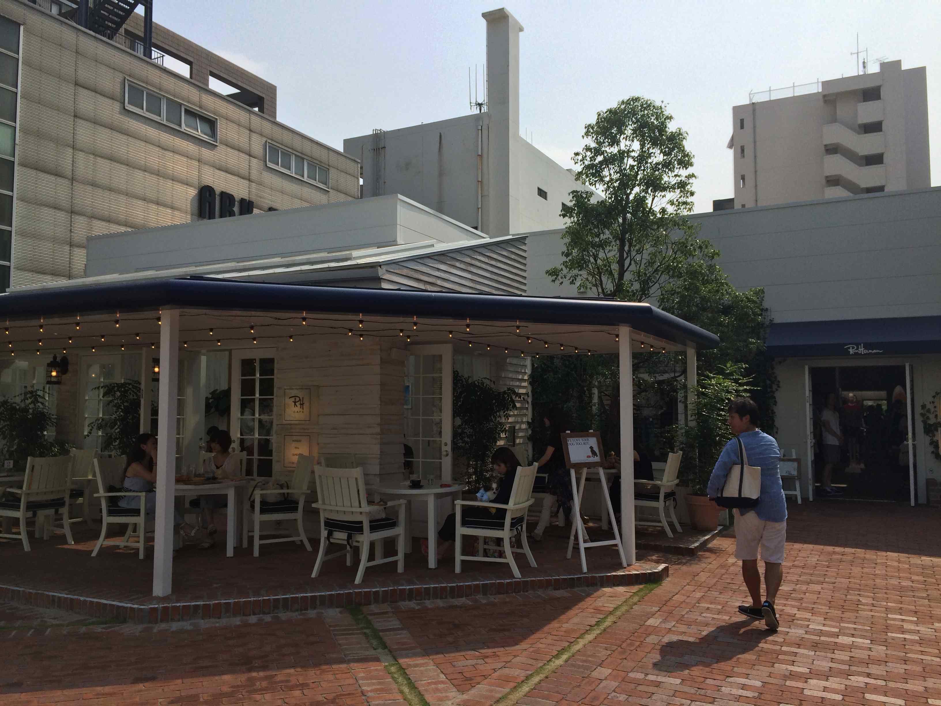 天神のカフェ