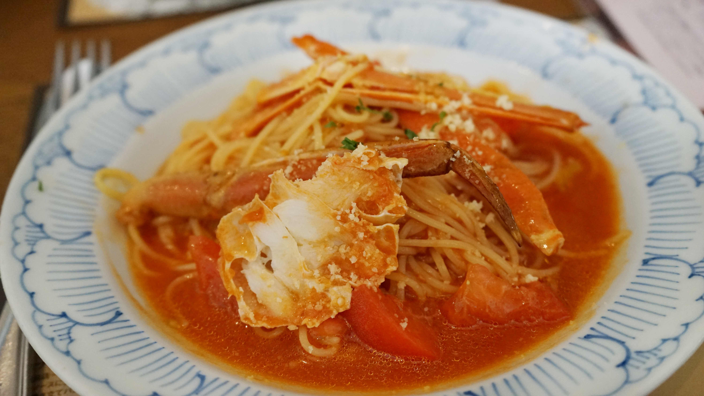 ずわい蟹とトマトの冷製パスタ(鎌倉パスタ)