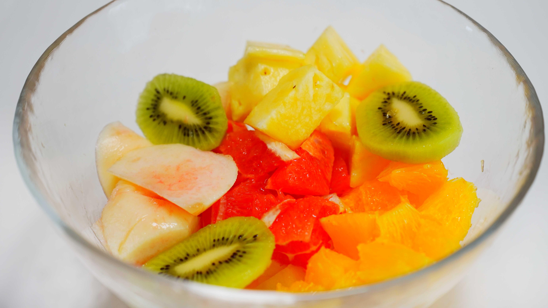 サングリアのフルーツカット